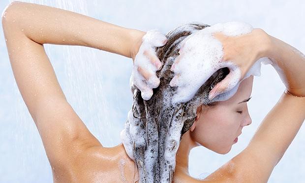 561167_como_lavar_o_cabelo_corretamente_01-644193-5193a2c519542