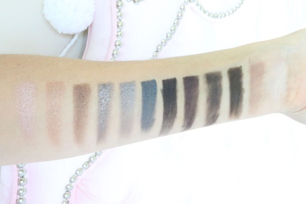 ud_naked_smoky_palette_swatches_light