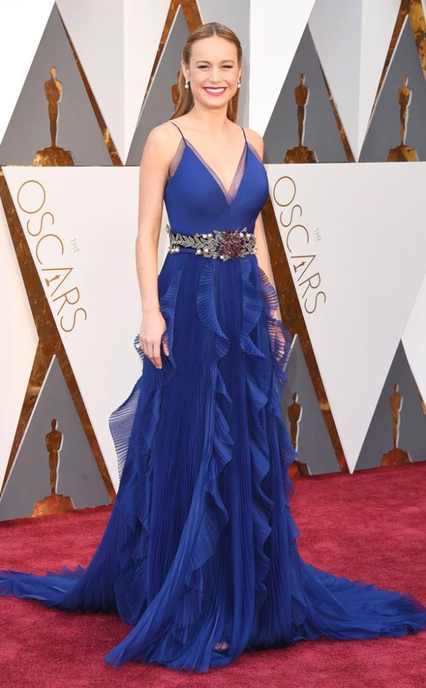 rs_634x1024-160228161902-634-brie-larson-Academy-Awards-Oscars-cm.228